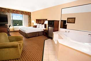 King Jacuzzi Feature Room