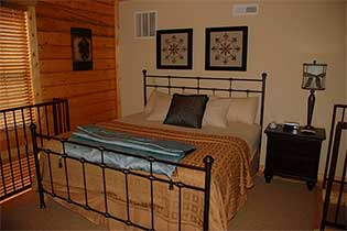 2 Bdrm Cabin w/ Loft - 5 Night Stay