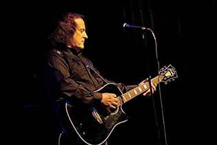 Photo of Tommy James & The Shondells
