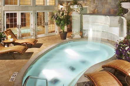 Chateau on the Lake Waterfall Pool