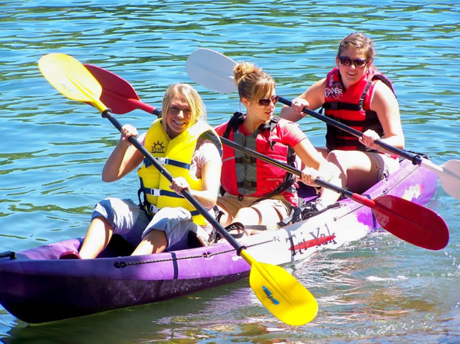 Kayak Ladies