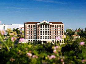 Grand Plaza Hotel in Branson, MO