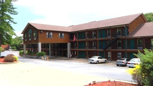 Fall Creek Inn Amp Suites Branson Mo