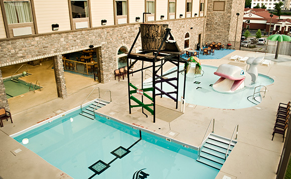 Castle rock resort waterpark branson mo for Branson mo cabins with indoor pool