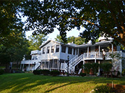 Anchor Inn on the Lake Bed and Breakfast Photo #1